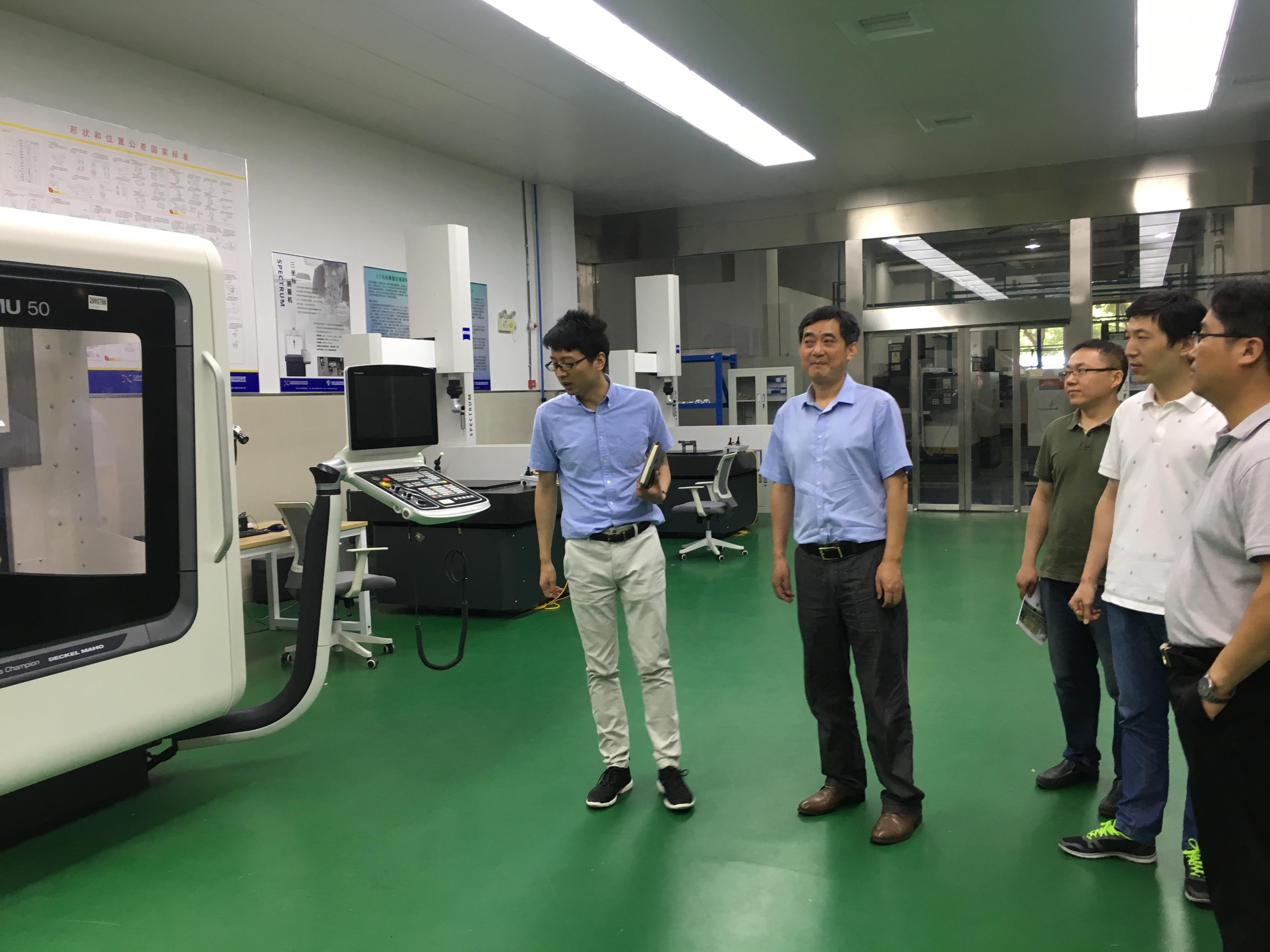 機械系與IVT就汽修專業發展進行深入交流學習-相城中等專業學校